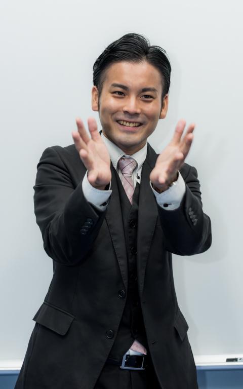エリアマネージャー 飯野 学人 (イイノマナト)