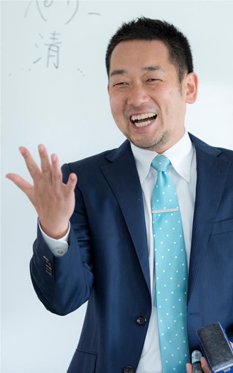 代表 中西 晃一 (ナカニシコウイチ)